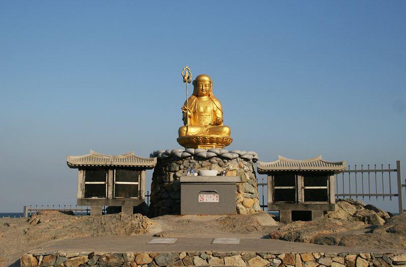 Haedong Yonggungsa temple blog 3