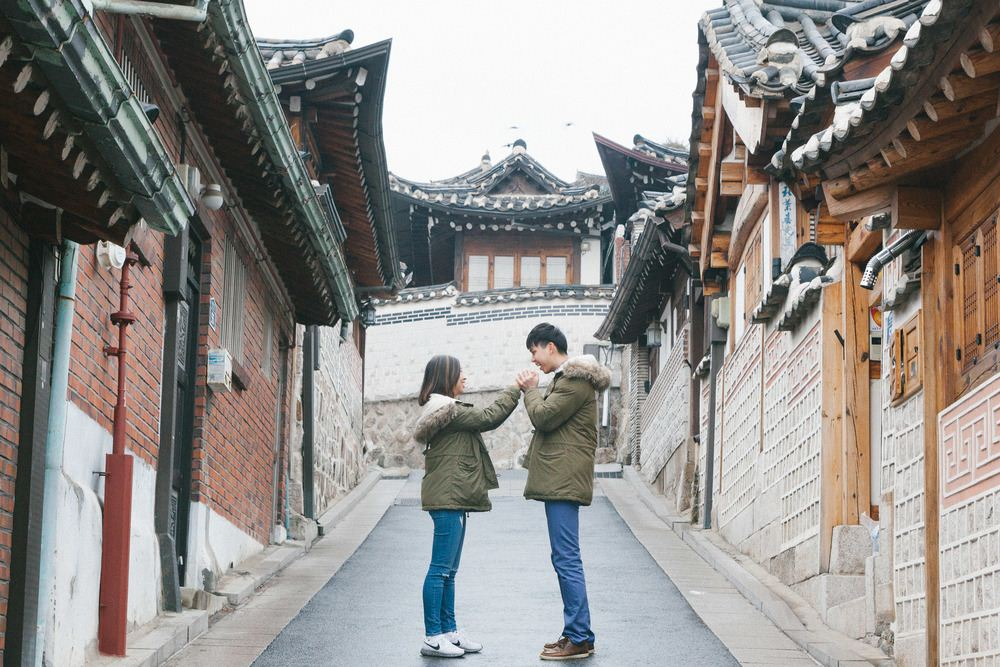 A very romantic scene in Bukchon's ancient village