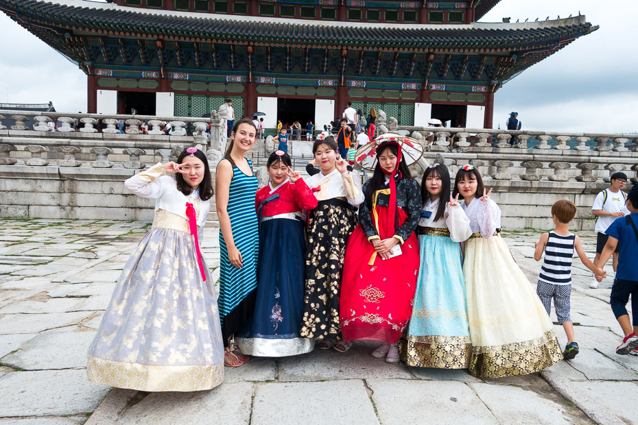 hanbok-korean-national-dress-alina-andrusaite Credit image: seoul travel blog.