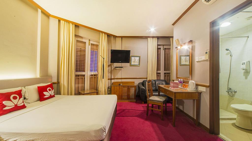 Geylang room