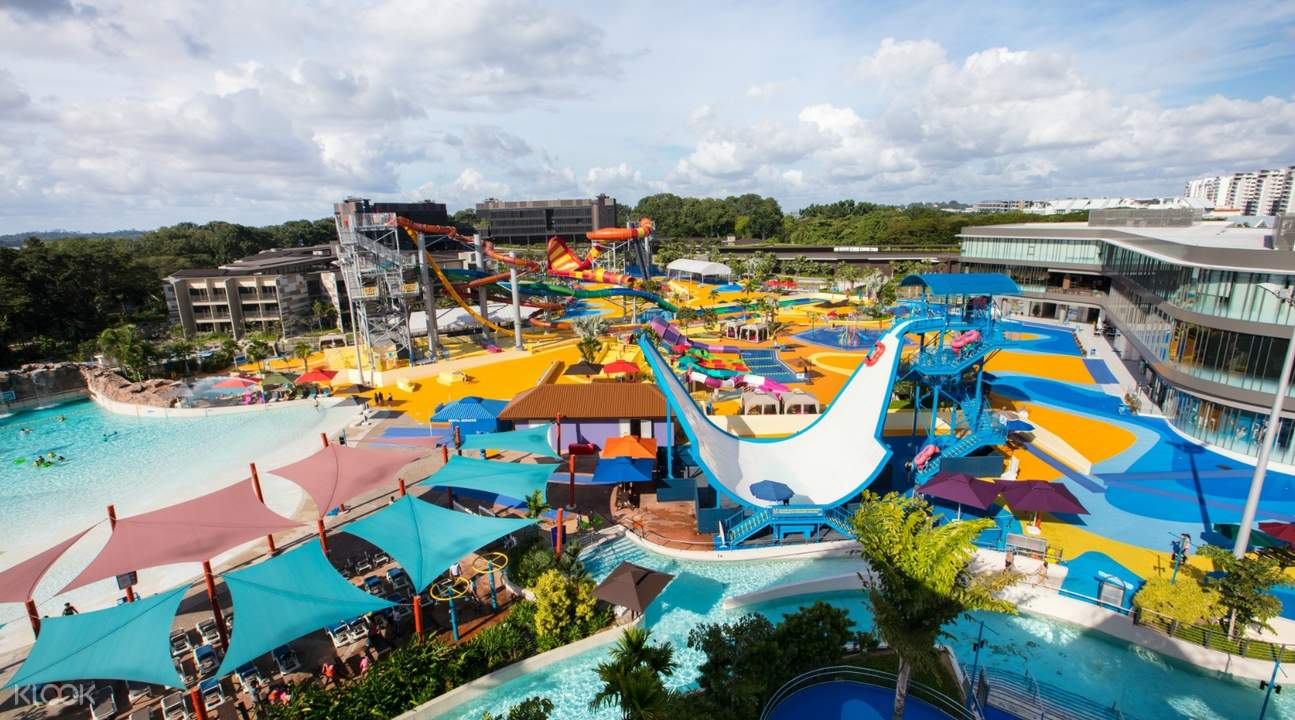 If you are looking for the heartbreaking water slides, check out Wild Wild Wet