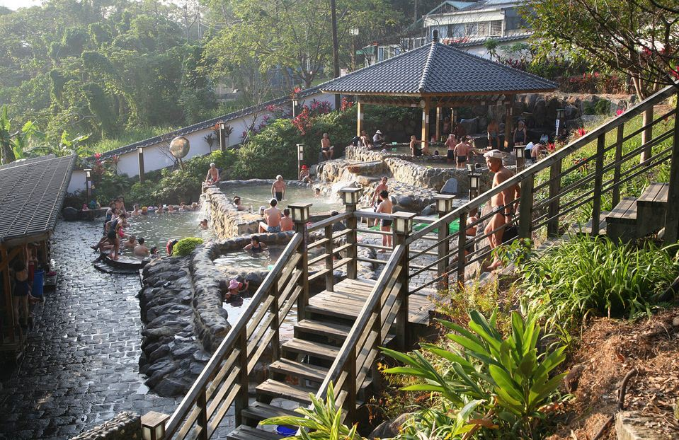 xinbeitou hot springs public baths