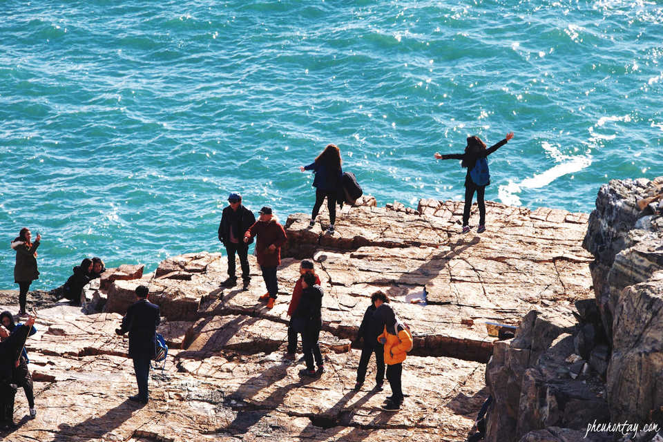 taejongdae park rock cliff Credit image: busan blog.