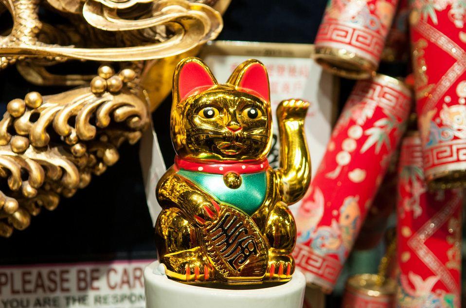 170413111153-hong-kong-souvenir