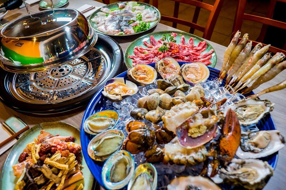 Hot pot at Lei Yue Mun Seafood Market