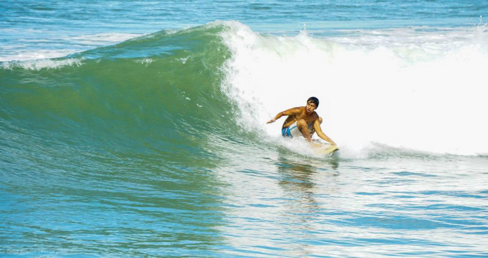 surfing beach brunei