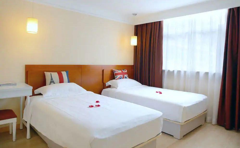 Ole London Hotel2