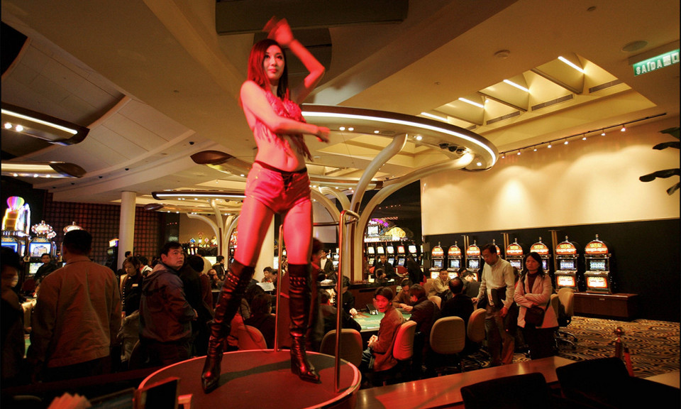 Dancing the pain away at The Sands casino in Macau.
