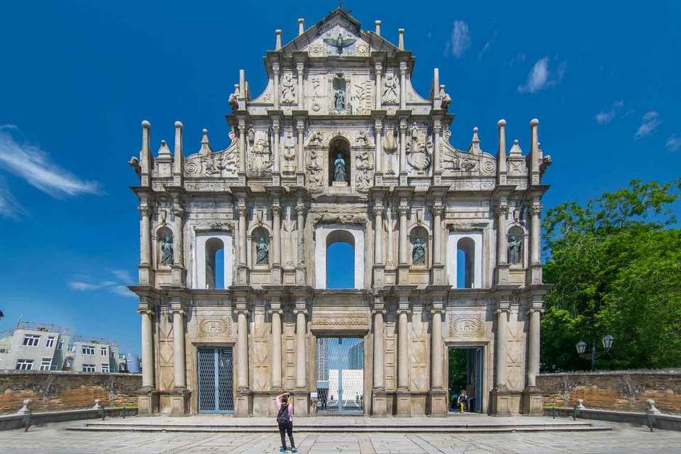 St Paul ruins - famous Portuguese ruins in Macau
