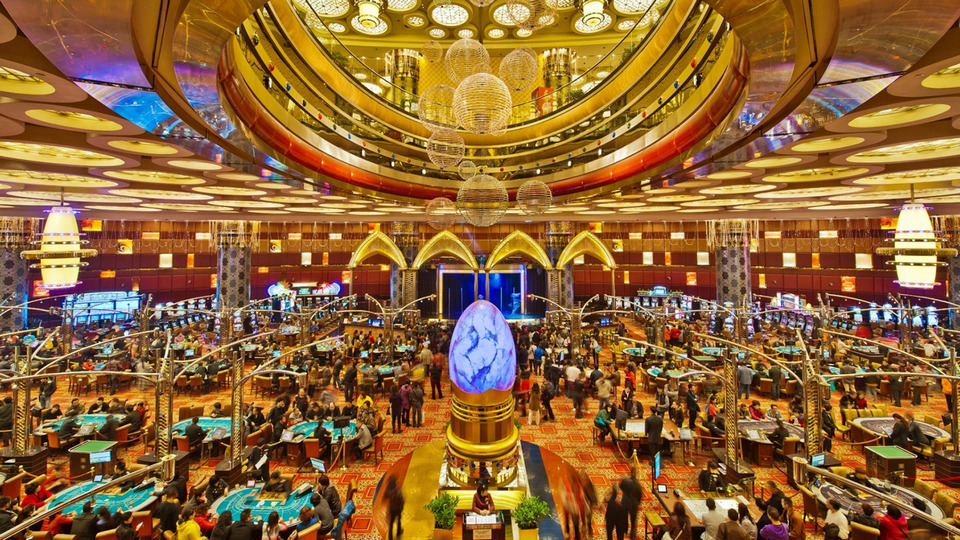 macao-casinos-grand-lisboa-first-floor