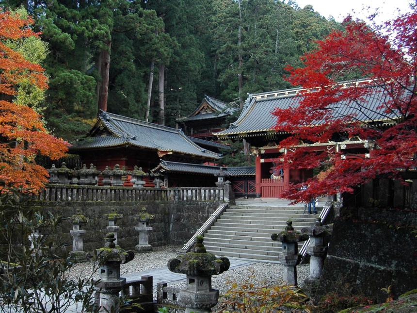 Nikko-Toshogu-autumn