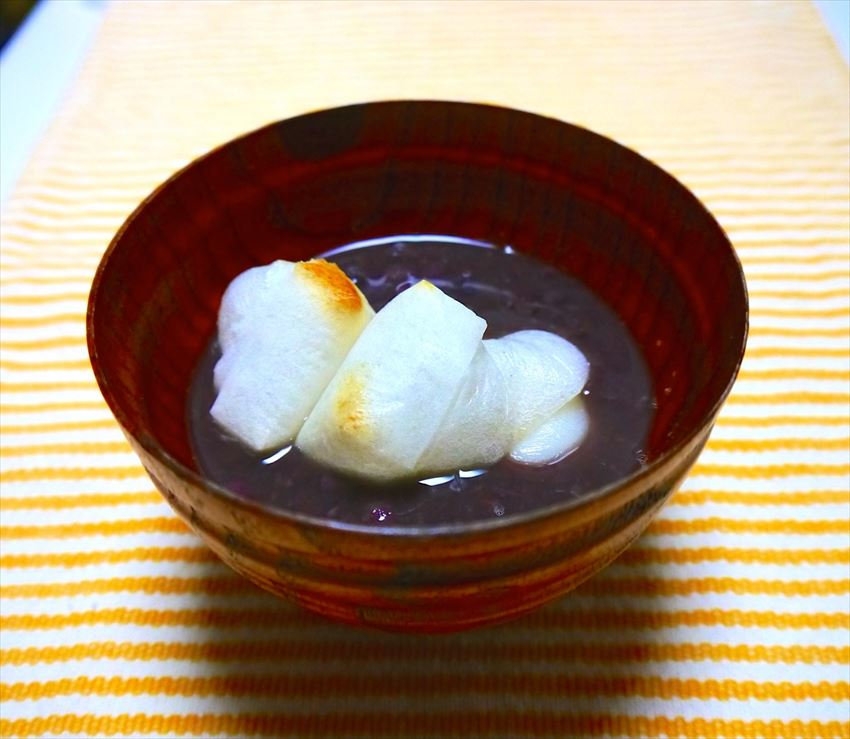 Sweet red bean drop mochi cakes