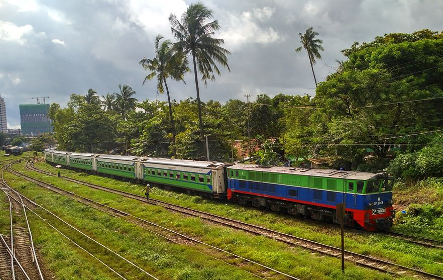 yangon to bagan by train3