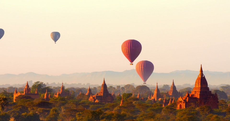 Hot-air-balloon-over-Bagan-3-of-42