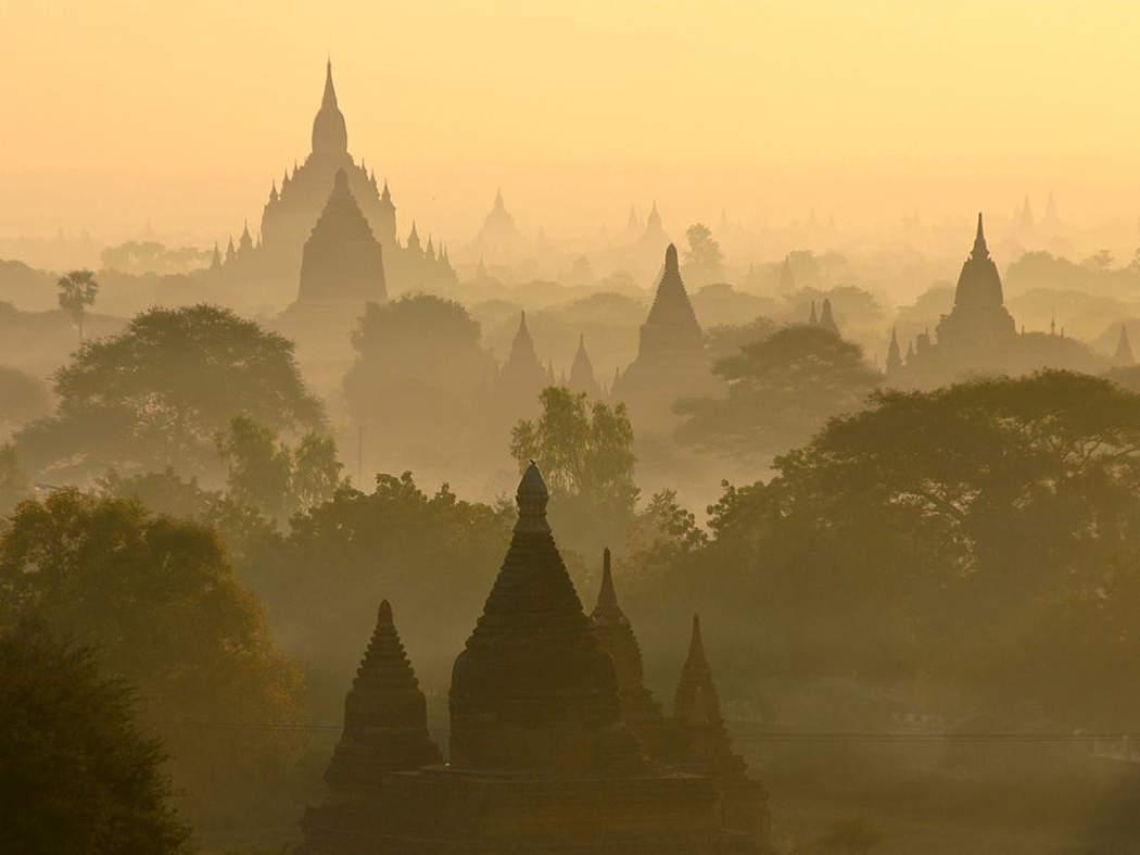 Dawn-in-Bagan-1