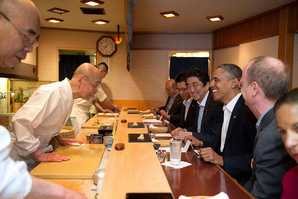1200px-Barack_Obama_and_Shinzo_Abe_at_Sukyabashi_Jiro_April_2014