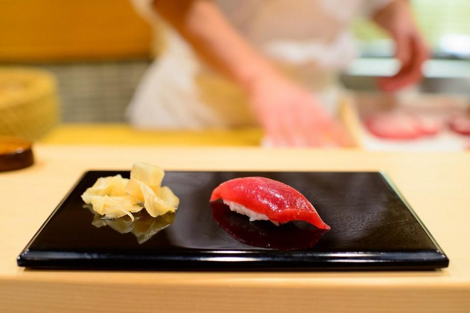 Sukiyabashi-Jiro-Lean-tuna-1024x683