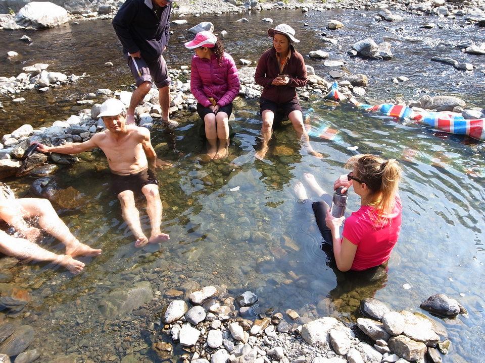 Enjoying the Guguan wild hot springs
