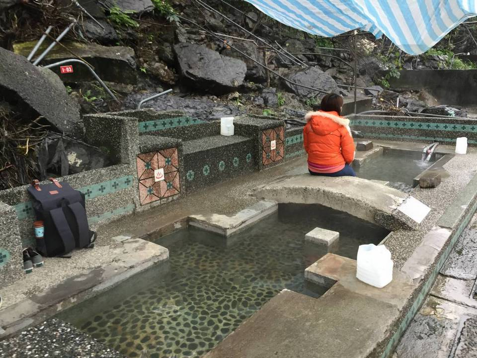 wulai old street and hot springs