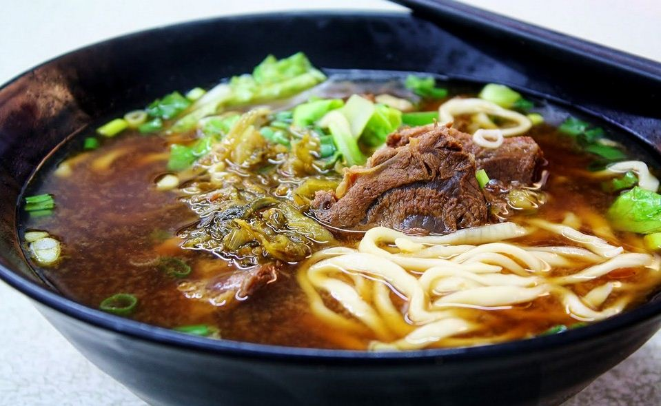 taiwan beef noodle soup