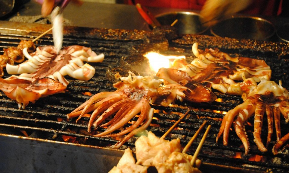 grilled stquid at raohe-night-market-taipei-23-