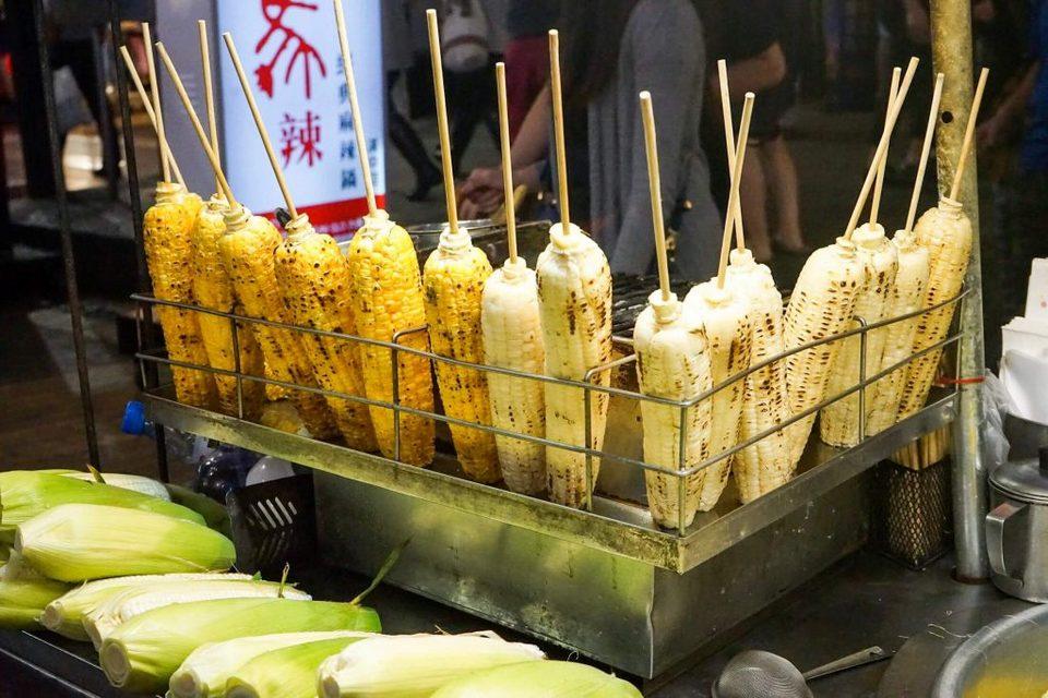 raohe market grilled corn