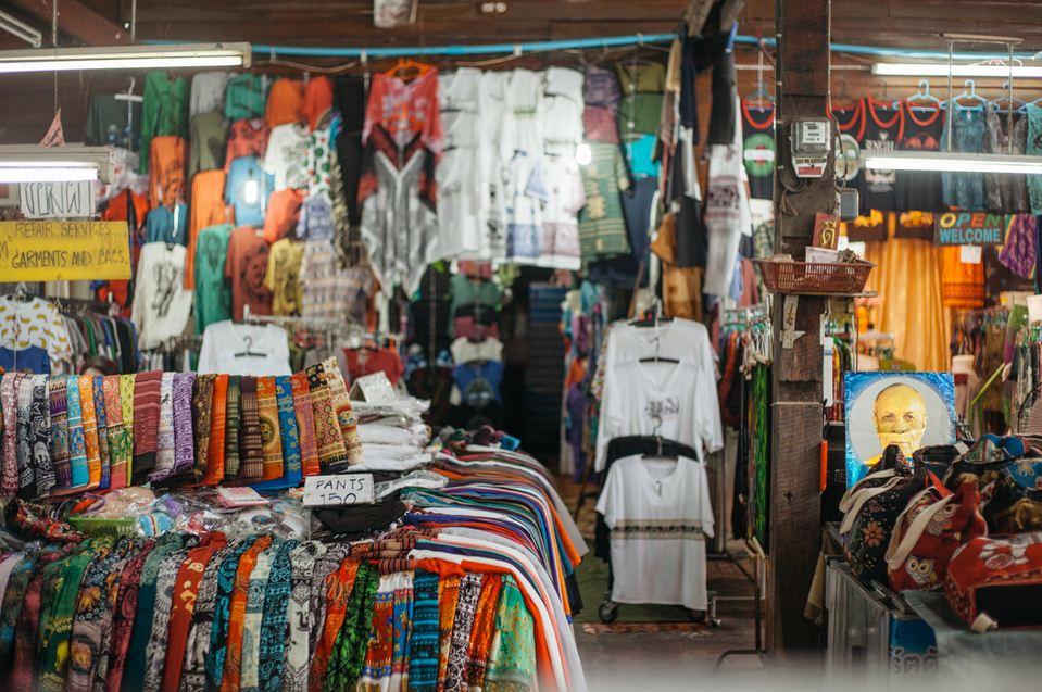 raw-028-emidi-somphet-market-chiang-mai-thailand