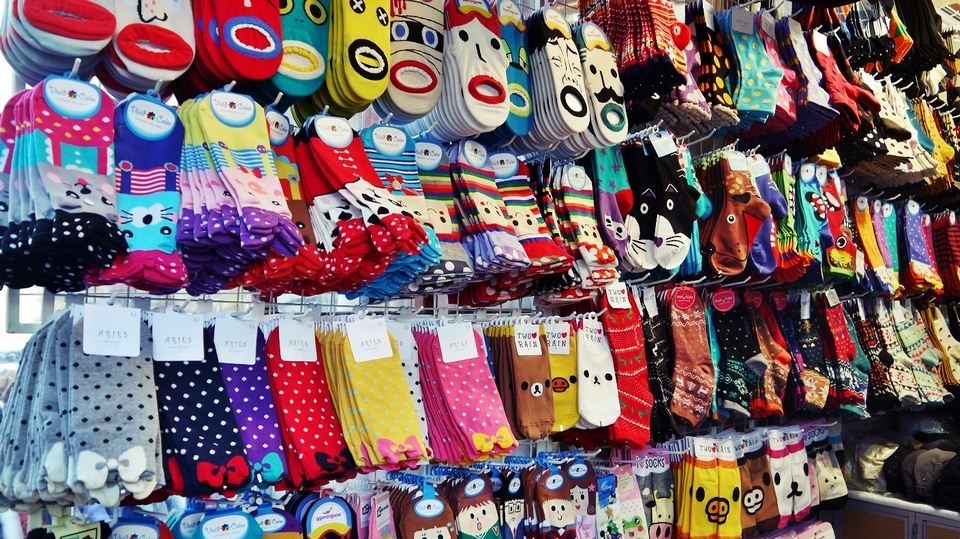 best things to buy in Korea including Korea famous things, Korea souvenir items, Korean gifts, best gifts to buy in Korea