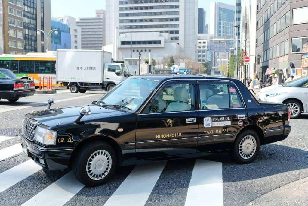 osaka taxi