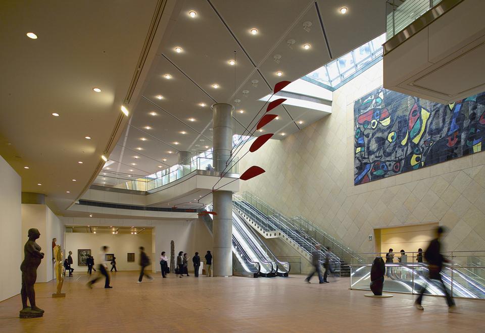 osaka-national-museum-of-art-exhibit