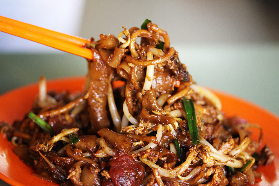 Char Kway Teow – Hill Street Char Kway Teow best food in singapore, food to eat in singapore, must eat food in singapore,