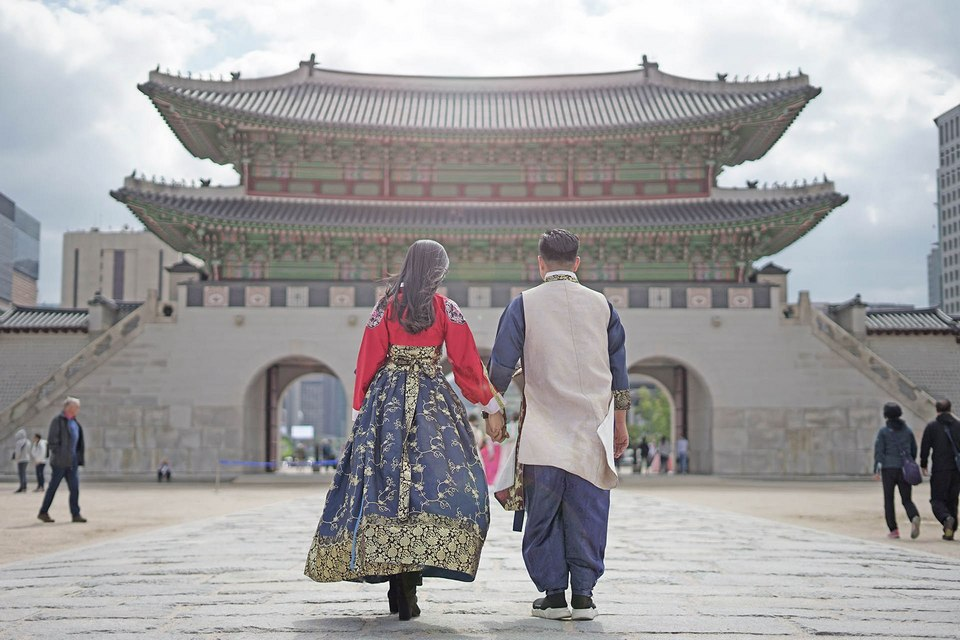 Gyeongbokgung palace hanbok 10 days in korea,10 days in south korea,how many days in korea,how many days in south korea,