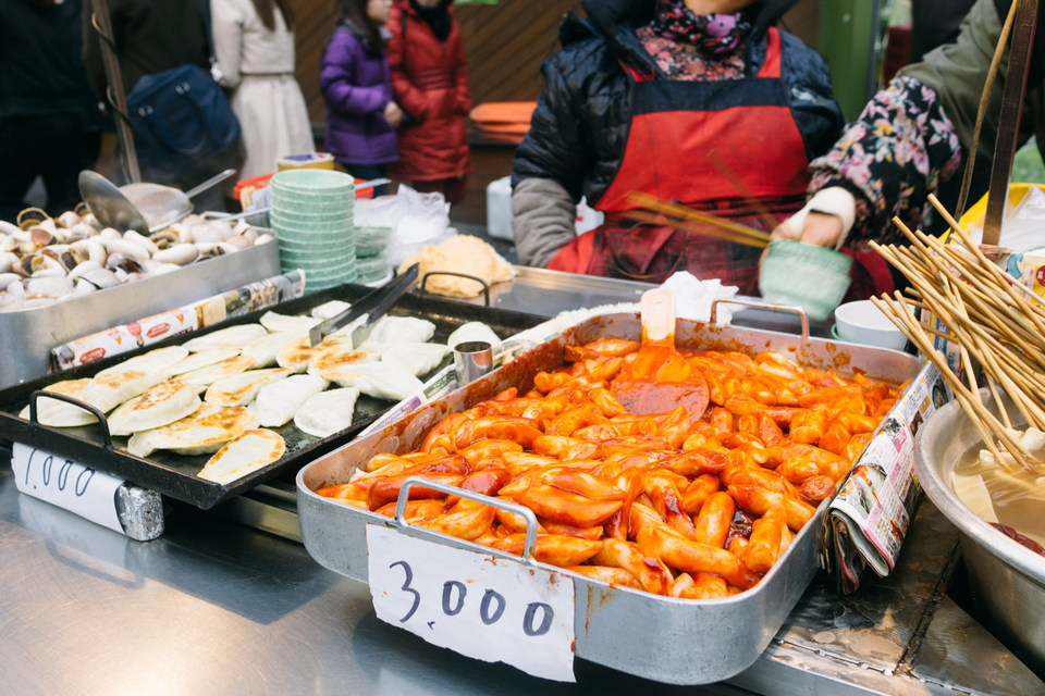 Credit: 5 days in seoul blog. seoul-street-food-1533289916-1000X561