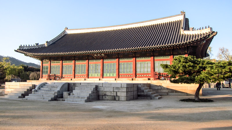 sujeongjeon_hall_at_gyeongbokgung_palace