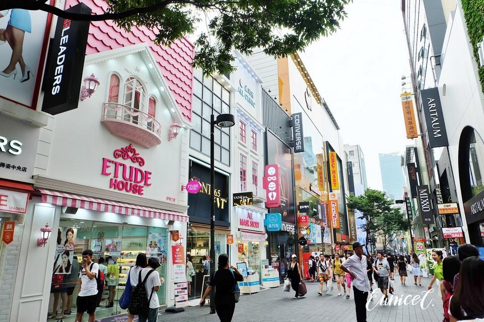Myeongdong Street shopping