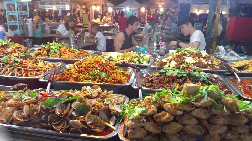 pattaya night street food