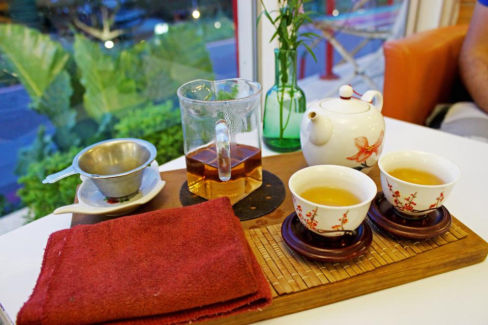 Oolong tea at Maokong Teahouse.