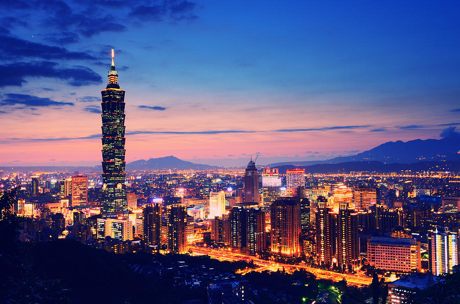 night-view-of-city-and-taipei-101-joyoyo-chen