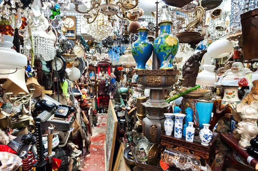 A souvenir shop in Hong Kong