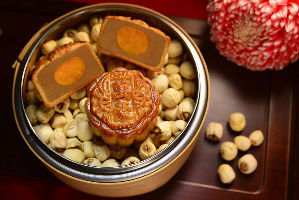 JW Marriott Hotel Hong Kong Mooncakes