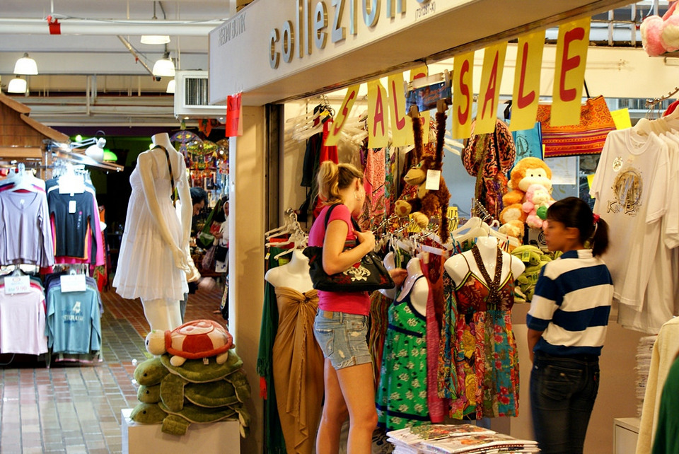 batik best things to buy in malaysia what to buy in malaysia must buy in malaysia best things to shop in malaysia