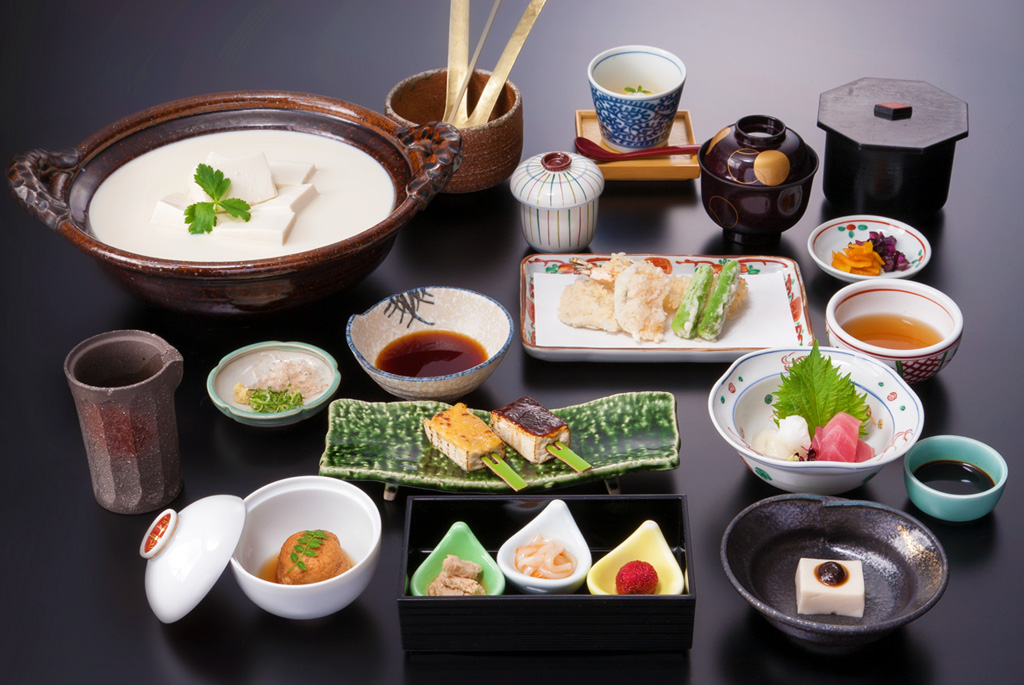 kyoto kaiseki cuisine must eat in japan, must try japanese food, must try japanese food in tokyo,