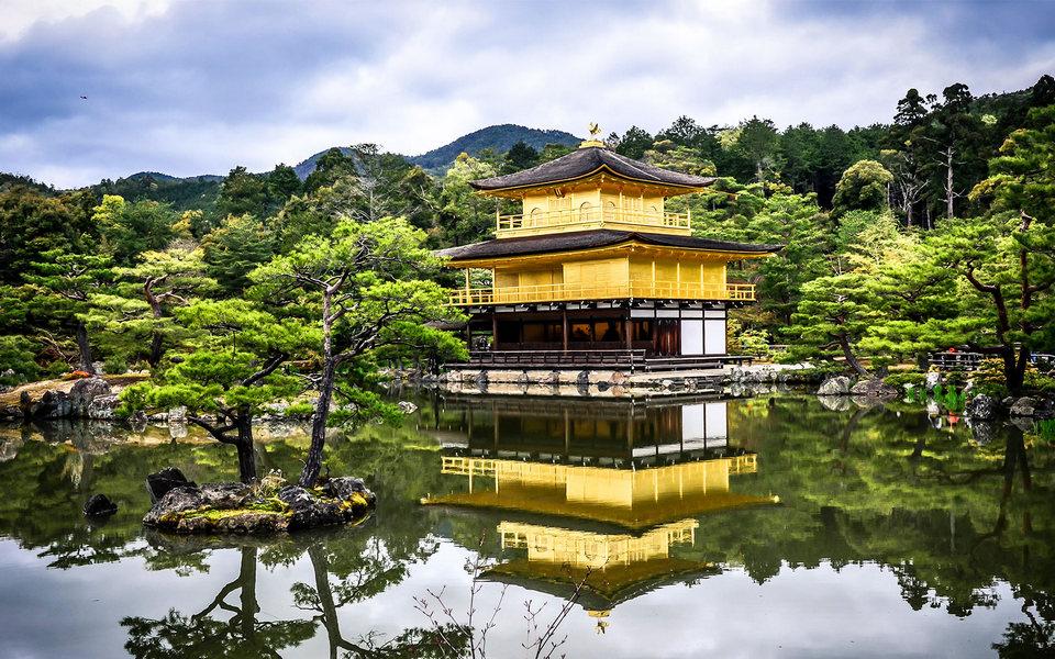 kinkakuji temple kyoto golden pavillion kyoto travel blog kyoto blog (1)