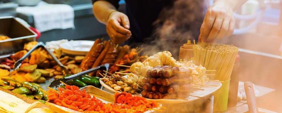 Hong Kong is street food paradise 1 day in hong kong,1 day trip in hong kong,24 hours in hong kong,hong kong 1 day itinerary,hong kong 1 day trip,