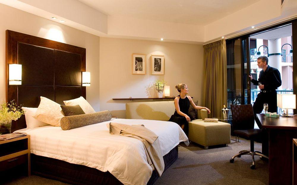 Amora Hotel Riverwalk Melbourne4