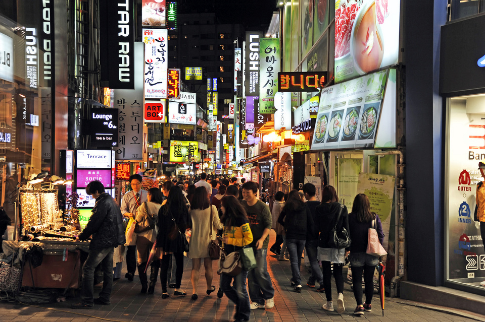 Myeodong market Top Seoul night market , Top 5 best night market in Seoul, South Korea