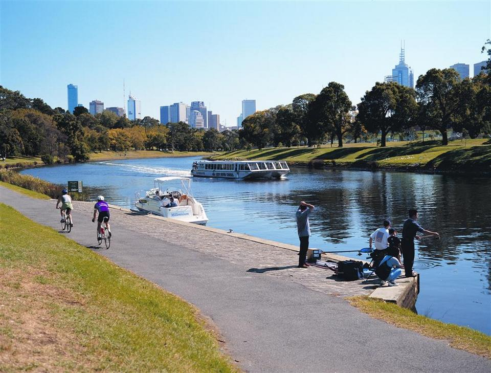 yarra river melbourne (1) 1 day in melbourne,24 hours in melbourne,melbourne 1 day itinerary,melbourne in a day,