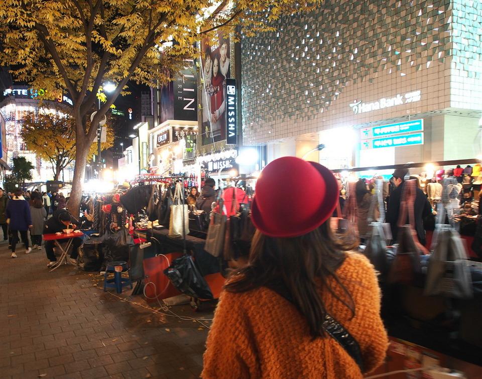 myeongdong-night-market-korean