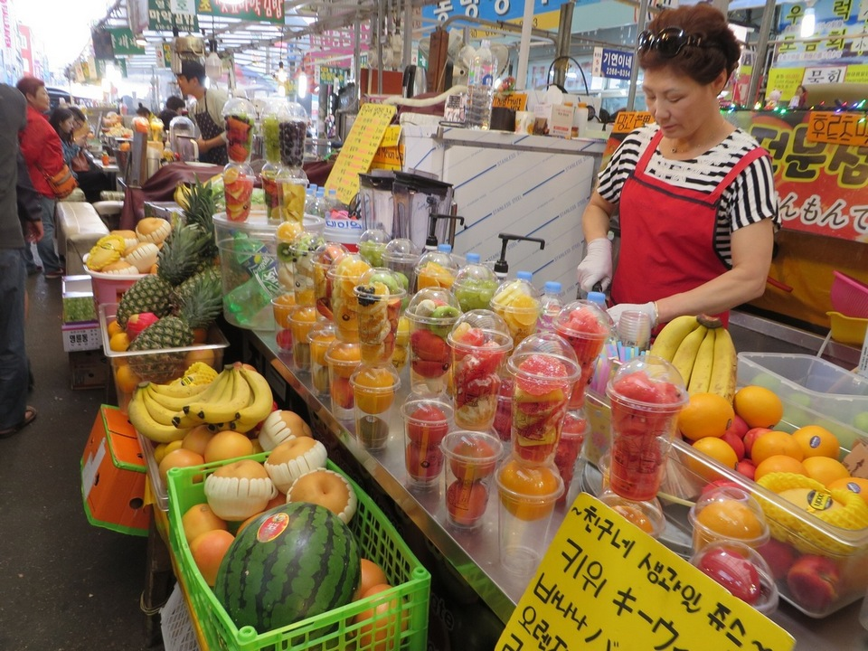 Fresh fruit stall in Gwangjang market