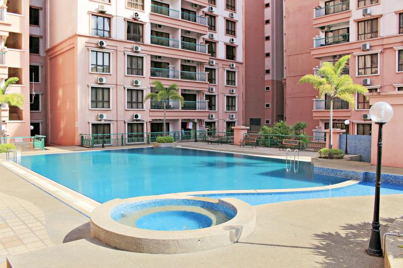MC Holiday Apartment @ Marina Court Resort Condominium